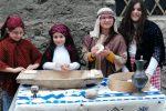A Bovalino rivive la magia del presepe vivente: le foto dal piccolo borgo