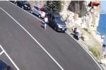 Zio e nipote baresi svaligiavano auto a Roseto Capo Spulico, inchiodati dalla videosorveglianza