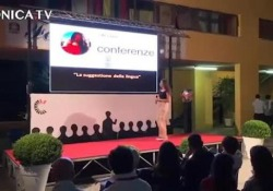 Scuola, ecco gli esempi di microconferenze Al concorso di giugno i ragazzi si sono cimentati sul palco - Corriere Tv