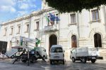Stipendi non pagati dalla società Castore di Reggio, protestano i dipendenti