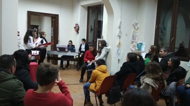 festa, scuola, simbario, Eva Scopacasa, Giuseppe Primerano, Grazia Bertucci, Catanzaro, Calabria, Società