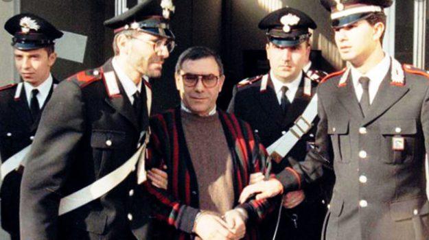 aggressione, carcere, mafia, Leoluca Bagarella, Sicilia, Cronaca