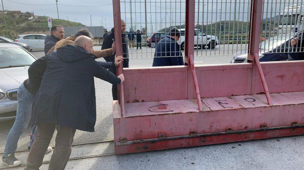 Nervi tesi e cancelli chiusi a Messina tra Acr ed Fc, interviene De Luca