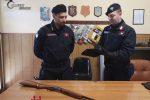 Armi clandestine all'interno di un pub, denunciato un 28enne di Canolo