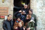 """Le Sardine fanno tappa a Riace, Lucano: """"Sono come me, contro i seminatori di odio"""" - Foto"""