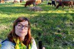 """""""Allevare vacche è il mestiere più bello del mondo"""", la storia della siracusana Diandra"""