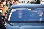 Ibrahimovic al Milan, entusiasmo e delirio tra i tifosi rossoneri