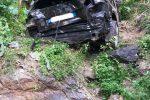 Scaletta Zanclea, vola giù dal promontorio con l'auto: miracolosamente salvo un giovane - Foto