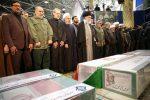 """Iran, il nuovo diktat di Khamenei: """"Le rappresaglie avranno il nostro timbro"""""""