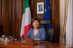 """La ministra De Micheli: """"Così riparte il Sud, in Sicilia ci sono i soldi ma non si spendono"""""""