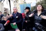 """Pino Masciari sul palco a Catanzaro: """"Servono persone oneste, non lasciamo Gratteri da solo"""""""