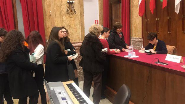 cultura, libro, liceo, Stefania Auci, Messina, Sicilia, Cultura