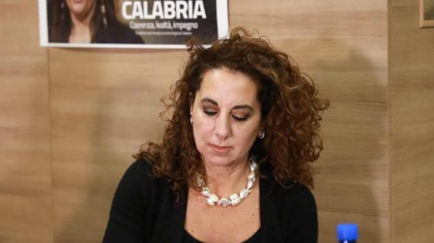 calabria, frasi, polemica, Corrado Augias, Wanda Ferro, Calabria, Politica