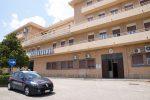Messina, lite per un parcheggio condominiale degenera: anziano accoltella il vicino