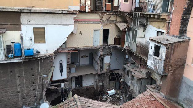 catania, crollo, Sicilia, Cronaca