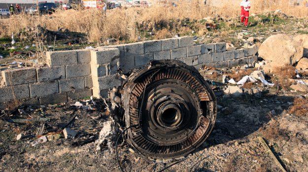 aereo caduto, iran, Jens Stoltenberg, Sicilia, Mondo