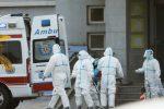 Il virus comparso in Cina è trasmissibile da uomo a uomo, controlli su voli