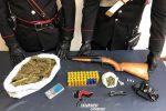 Droga e armi nascoste in un'auto, arrestato un giovane di Girifalco
