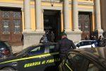 """Corruzione, sesso per processi """"aggiustati"""": 8 arresti a Catanzaro tra cui un magistrato"""