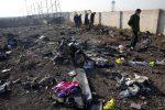 """Aereo caduto, l'Iran ammette: """"Abbattuto per errore umano"""""""