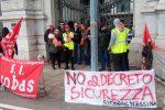 """Lavoro, sit-in dei """"Disoccupati organizzati"""" davanti alla prefettura di Messina"""