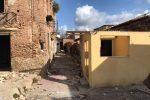 Messina cancella il degrado, ruspe a Maregrosso per demolire le Case d'Arrigo - Foto