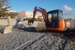 Messina, al via gli interventi per ripulire da sabbia e detriti le strade di Galati Marina
