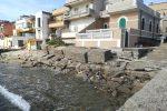 Messina, il mare si divora i massi e minaccia le case di Ganzirri
