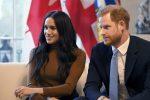 """""""Si sentono emarginati dalla famiglia reale"""", Harry e Meghan pronti a trasferirsi in Canada"""