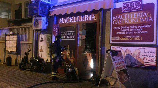 attentato, incendio, via aschenez reggio, Reggio, Calabria, Cronaca