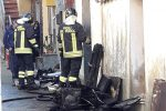 Incendio in casa di un 80enne a Filadelfia, 27enne entra nell'abitazione e salva l'anziano