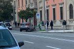 Incidente a Messina, auto contro un palo delle affissioni