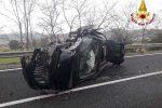 Tragico scontro tra due auto sulla statale 107 a Rocca di Neto: un morto e 4 feriti, tra cui due bimbi
