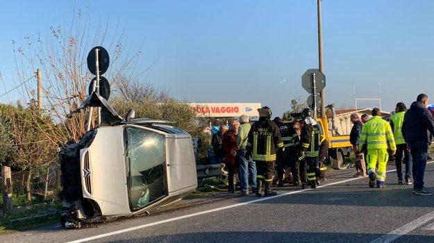 incidente, sibari, statale 106, Cosenza, Calabria, Cronaca