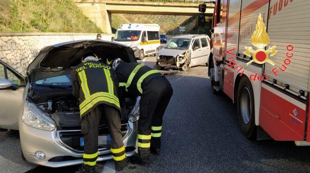 incidente, stalettì, statale 106, Catanzaro, Calabria, Cronaca