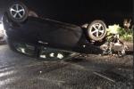Auto si ribalta sulla strada provinciale a Cessaniti, ferito un giovane