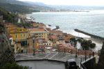 Ennesimo incidente su via Nazionale a Pizzo, maestra in pensione travolta da un'auto