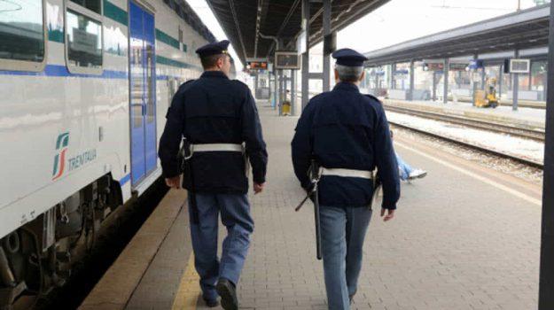 extracomunitario, polizia ferroviaria, Messina, Sicilia, Cronaca