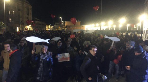 Le Sardine fanno tappa a Corigliano Rossano, Salvini chiude tour elettorale
