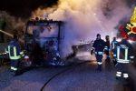 Auto e camion in fiamme, caos e traffico in tilt sulla tangenziale di Messina