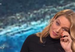 Uma Thurman commossa per Regeni a 'Che Tempo Che Fa': «Spero ci sia giustizia, è un grande dolore» L'attrice esprime le sue condoglianze e non trattiene le lacrime durante la trasmissione su Rai Due - Corriere Tv