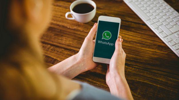 foto, messaggi, social, video, whatsapp down, Sicilia, Società