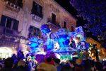 Entra nel vivo il Carnevale di Acireale: la sfilata dei carri allegorici
