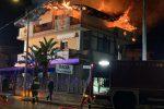 Incendio a Limbadi, danni a uno stabile di tre piane: famiglie evacuate