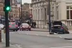 Paura a Londra, uomo accoltella due persone e viene ucciso dalla polizia