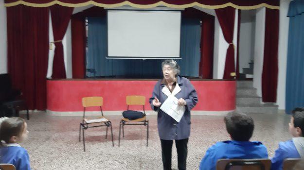 Celona, scuola, Adelaide Scaffa Notarstefano, Messina, Sicilia, Cronaca