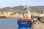 Messina porto sicuro per i 158 migranti della Aita Mari
