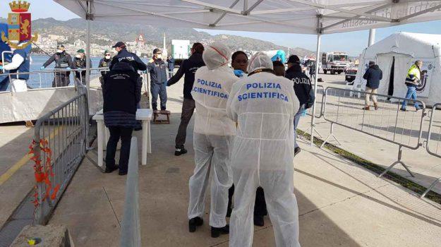 migranti, molo norimberga, sbarco, Messina, Sicilia, Cronaca