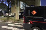 Bomba al distributore di tabacchi a Catania, si costituisce complice della vittima