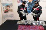 """Crotone, droga e armi nascoste nei bagni dell'ex liceo """"Gravina"""": un arresto"""